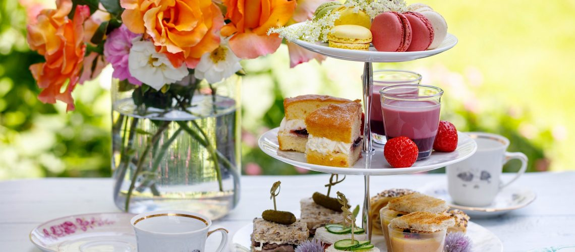 Afternoon,tea,in,the,garden
